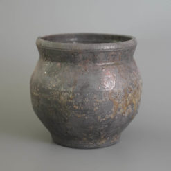 Esse Black Vase ceramic flower vase by yasuhiro cuze